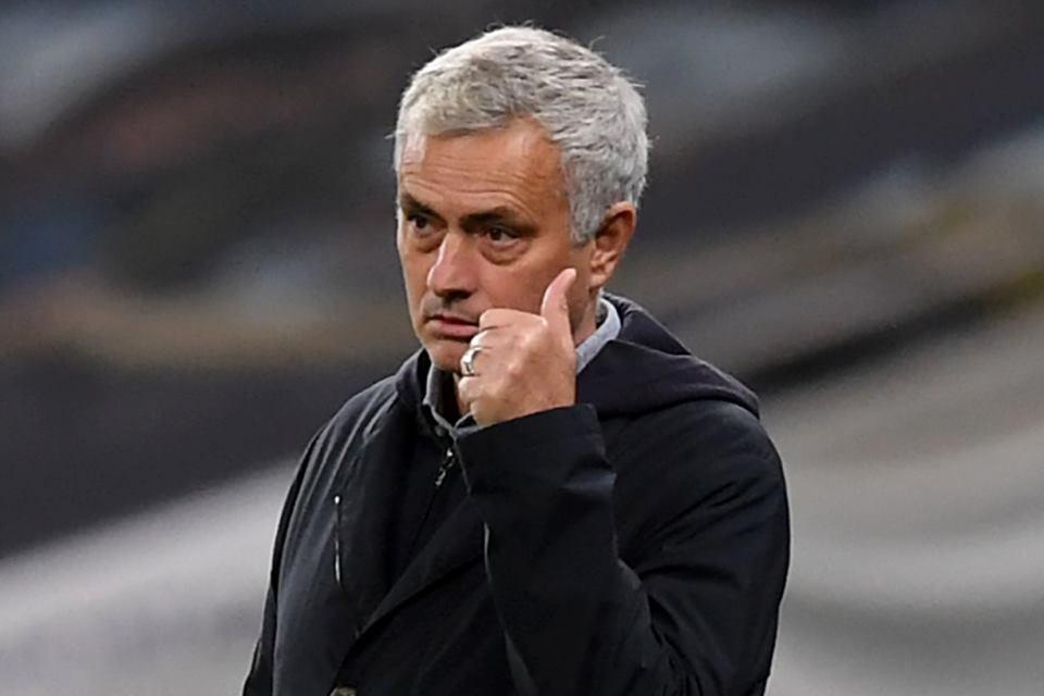United Terperosok ke Europa League, Mourinho Buka Suara