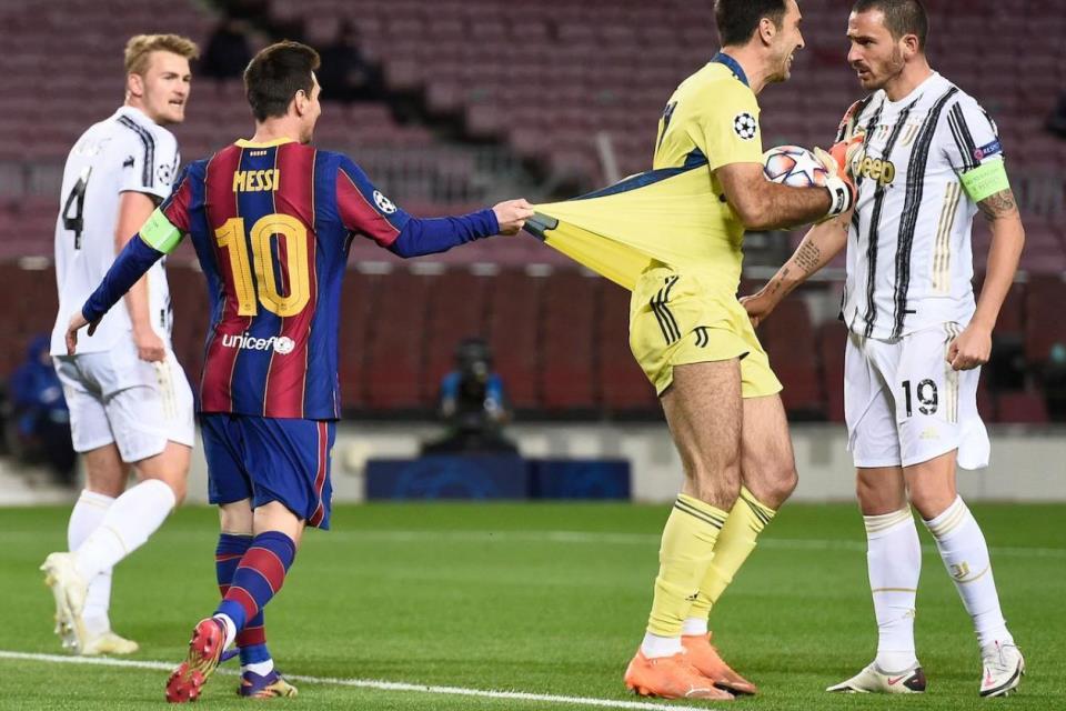 Bikin Frustasi, Messi Pun Minta Tukar Jersey Dengan Buffon