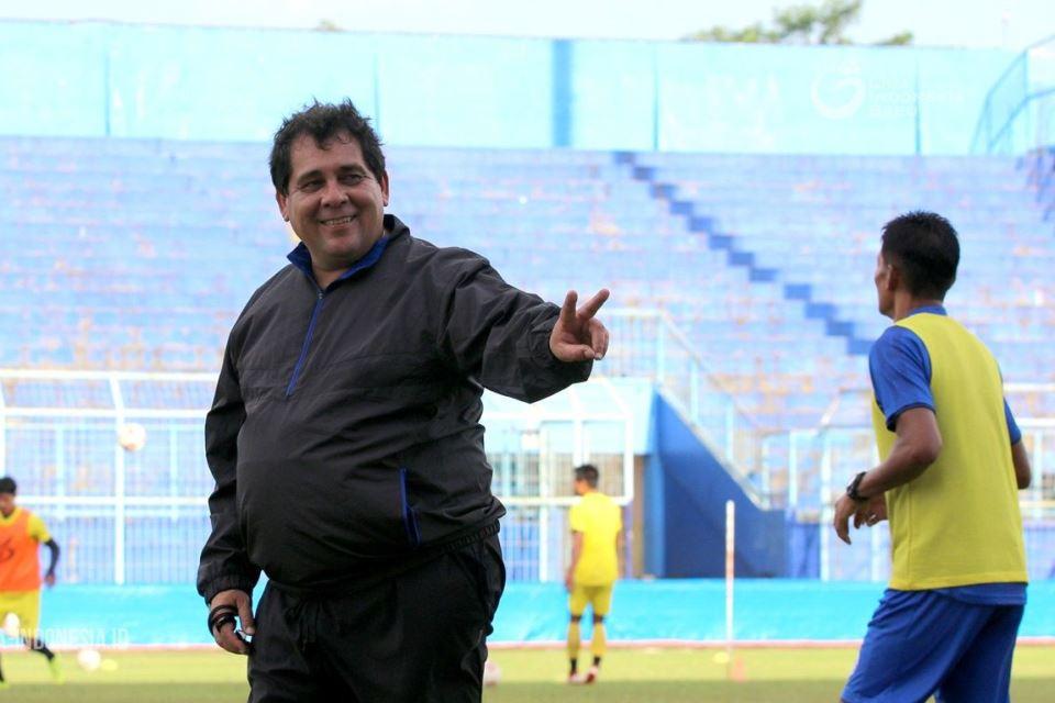 Carlos Oliveira sebut Empat Pemainnya Terbaik Untuk Timnas