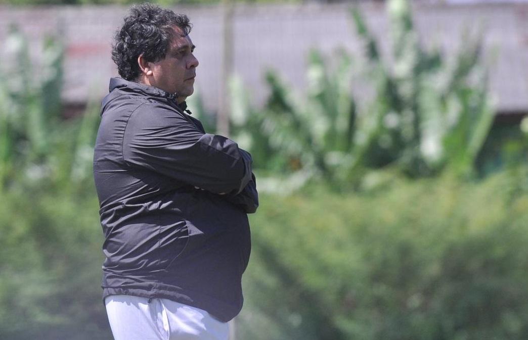 Carlos Oliviera, pelatih Arema FC