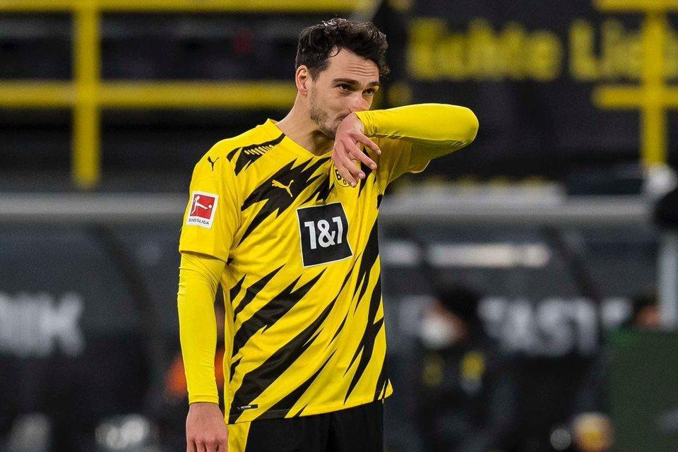 Dortmund Dibungkam Stuttgart, Hummels: Kami Terlalu Banyak Memberikan Bola