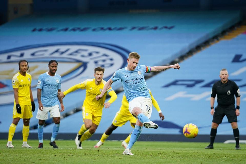 Gasak Fulham 2-0, City Tembus Empat Besar Klasemen