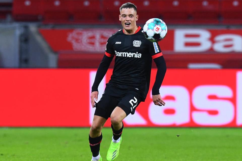 Leverkusen Perpanjang Kontrak Bintang Mudanya