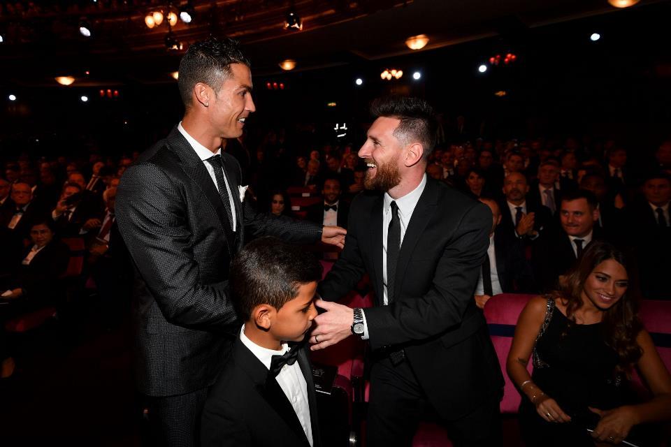 Messi dan Ronaldo Tak Layak Masuk ke Dalam FIFA Award!
