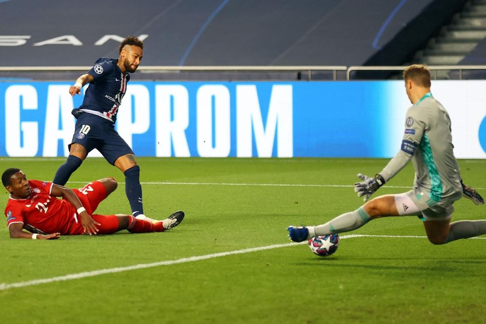 Tak Ada yang Setangguh Manuel Neuer, Sukses Mentahkan Neymar dan Mbappe Sekaligus