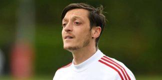Mesut Ozil Tak Akan Laku Meski Gratis, Kenapa?