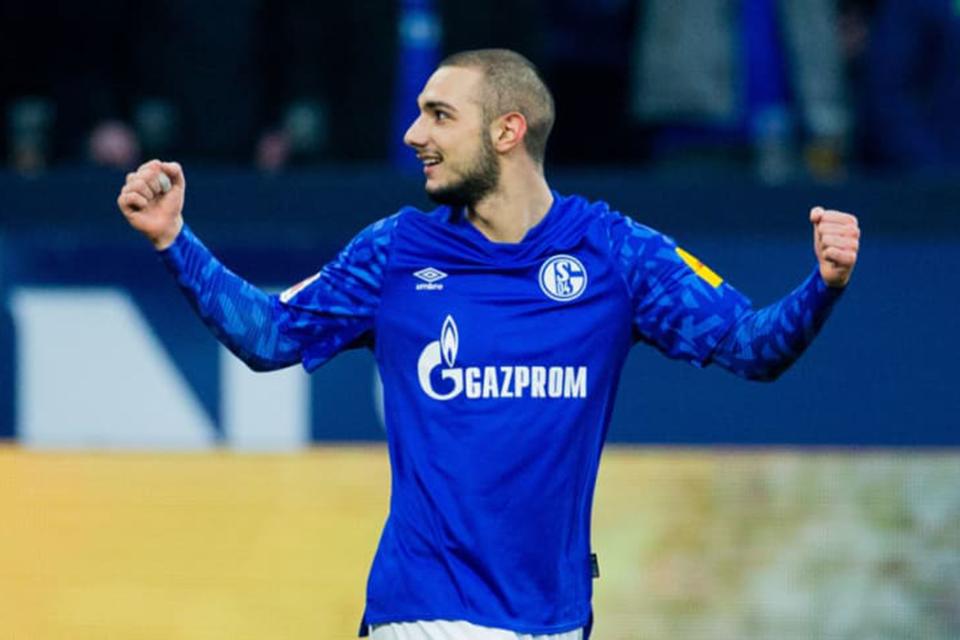 Barisan Bintang Schalke Singkirkan Pemuda Turki