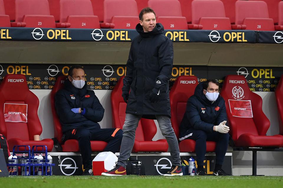 Kalah Dari Mainz, Leipzig Salahkan Lapangan