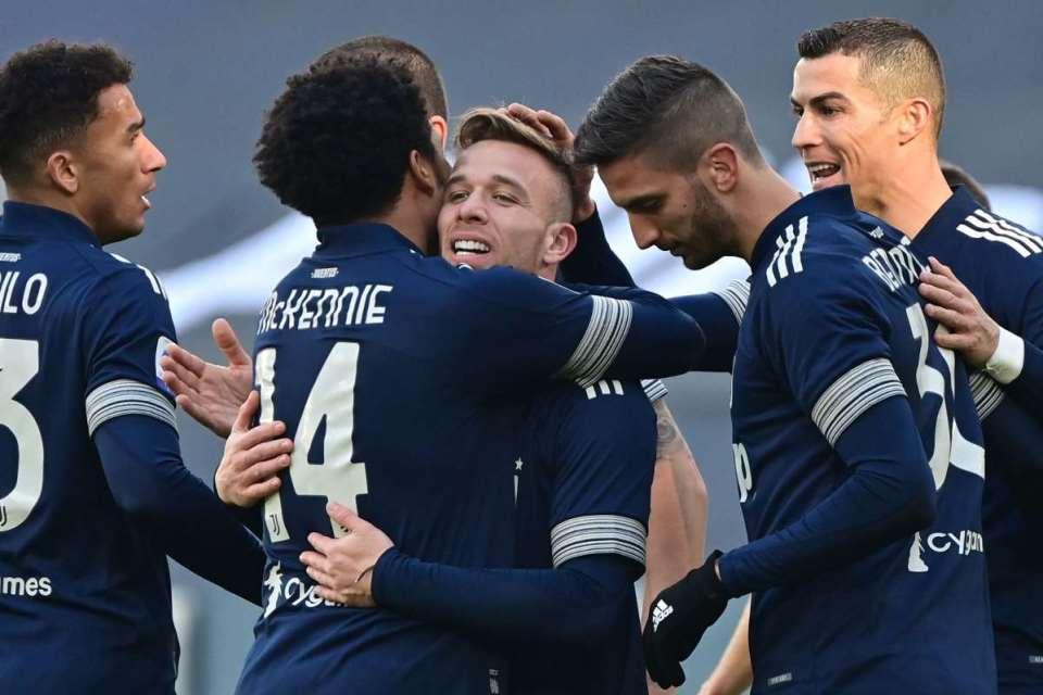 Panaskan Milan, Juventus: Perburuan Scudetto Sampai Laga Terakhir