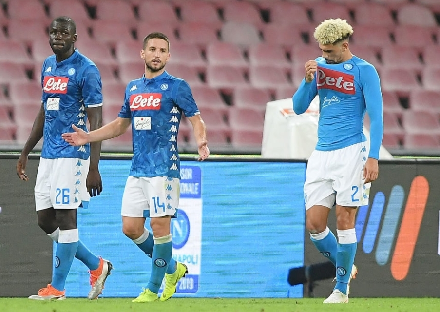 Napoli Resmi Lepas Pemainnya ke Tim Rival