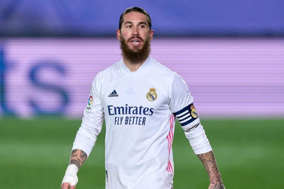 Tolak PSG, Ramos Segera Menuju Raksasa Premier League?