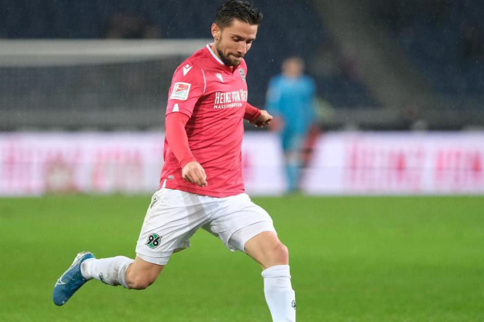 Schalke Tertarik Datangkan Dua Bek Berstatus Bebas Transfer, Siapa