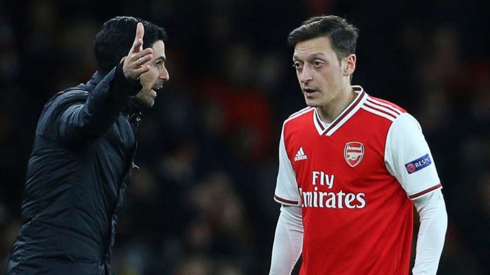 Senangnya Arteta, Oezil Sudah Angkat Kaki Dari Arsenal