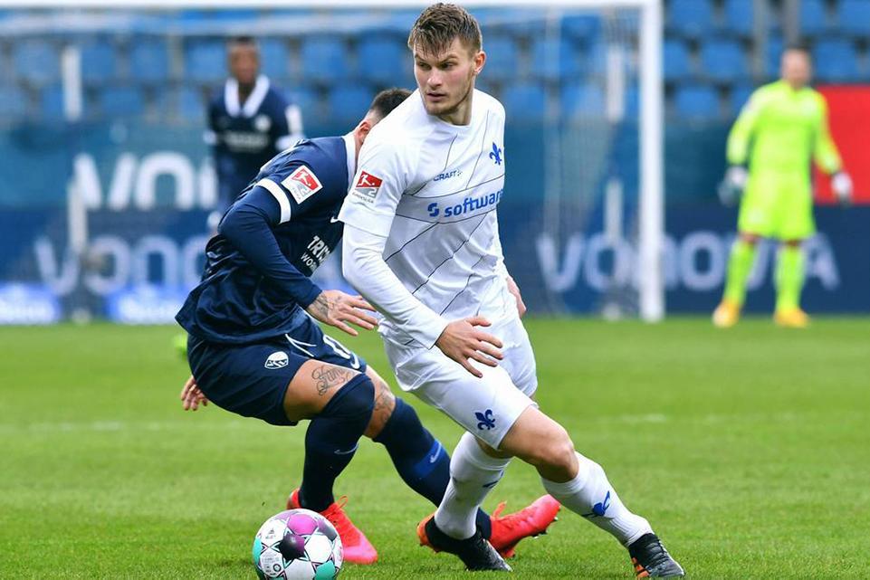 Bek Muda Bayern diminati Raksasa Italia