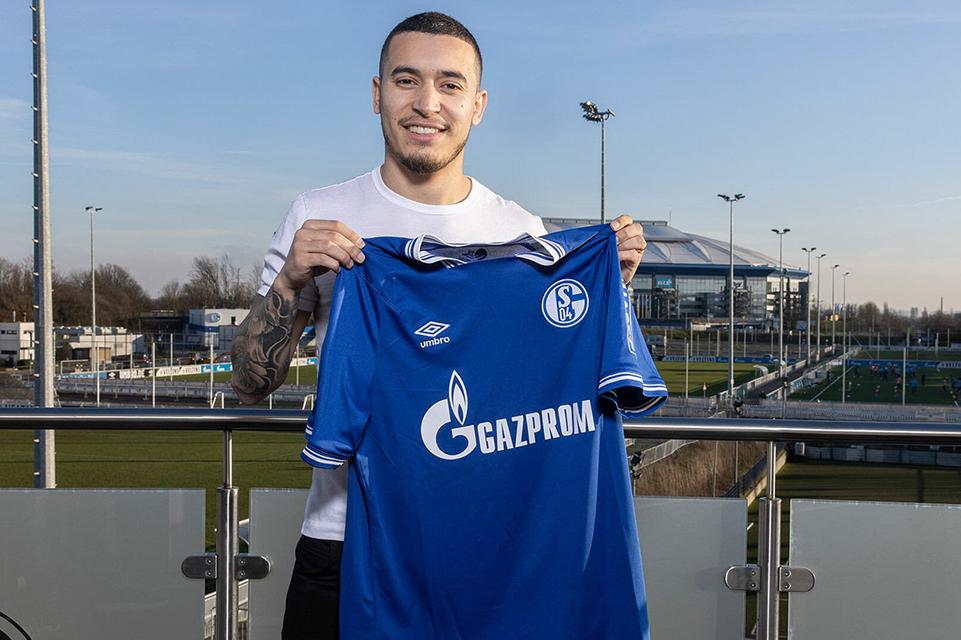 Schalke mendatangkan Bek Wolfsburg, William Furtado