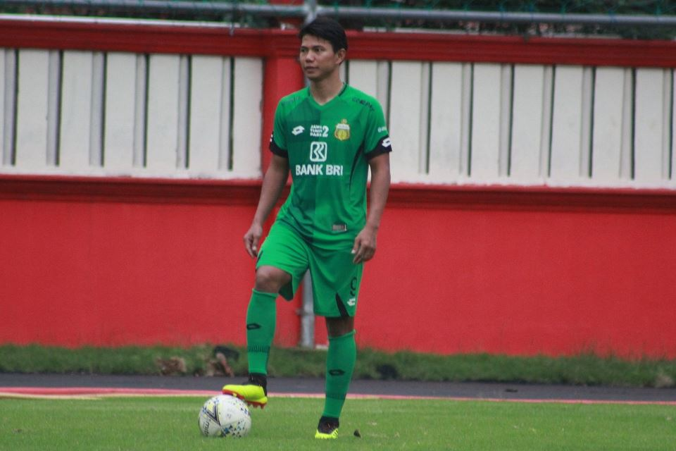 Bek Kawakan Indonesia Beri Saran Bagi Pemain yang Ingin Merumput di Luar Negeri