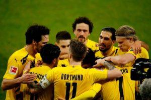 Dortmund dijatuhi Denda Ribuan Euro Akibat Ulah Suporter