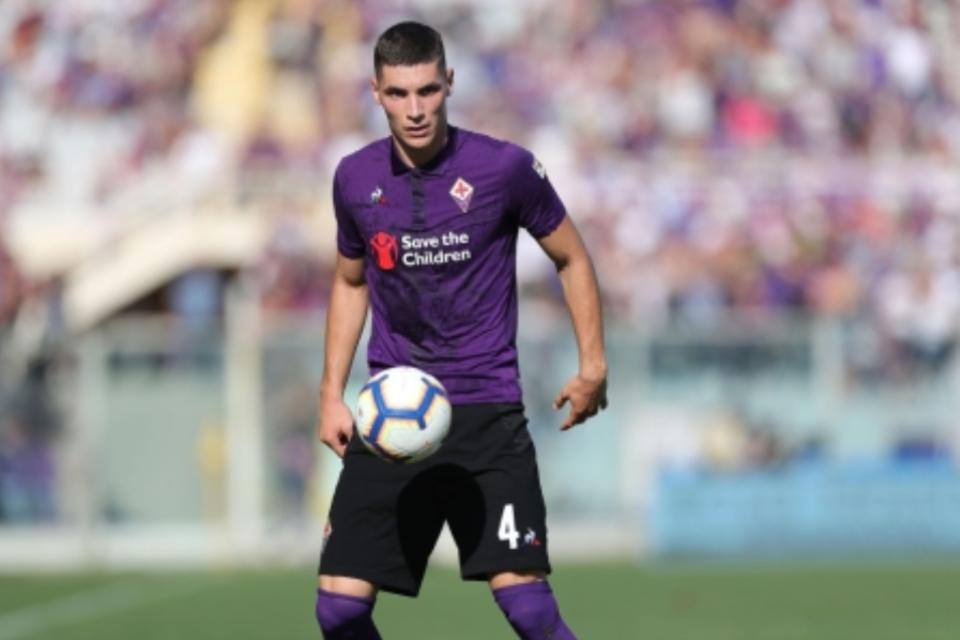 Setan Merah Berpeluang Boyong Bek Muda Fiorentina