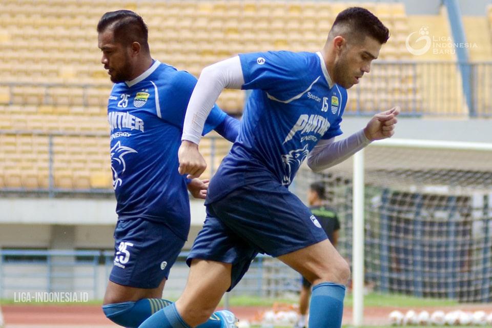 Kontrak Berakhir, Persib Lepas Zulham dan Fabiano