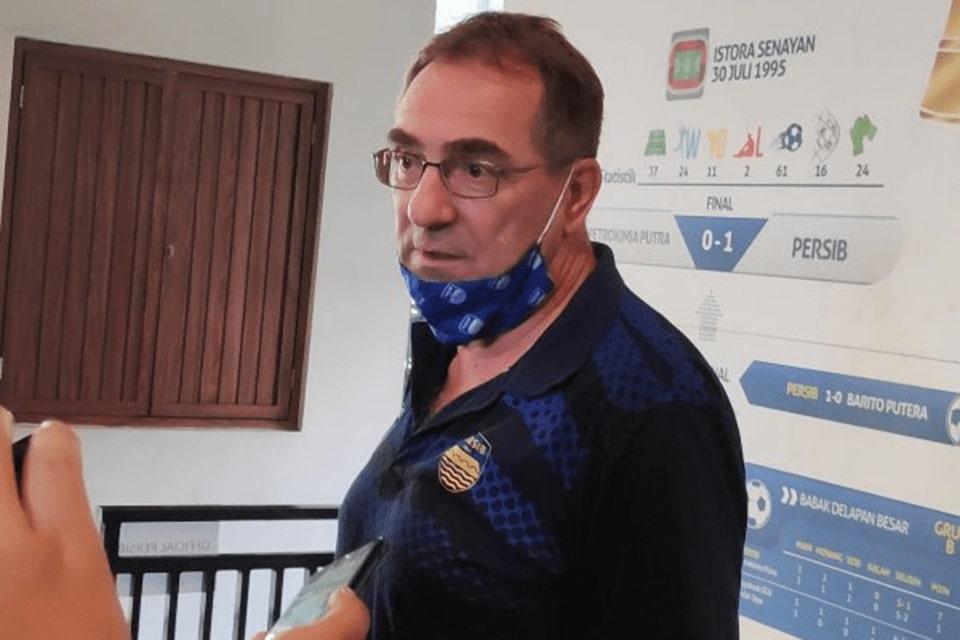 Pelatih Persib Dukung penuh Peminjaman Castillio