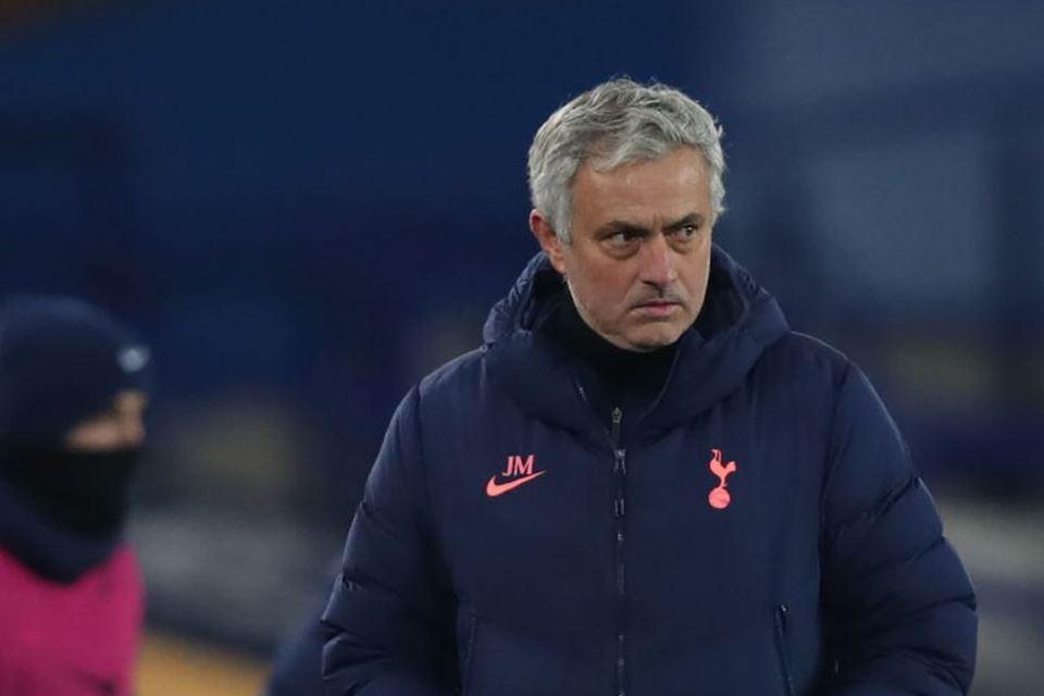 Arsenal Menghukum Kesombongan Mourinho