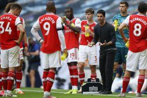 Arsenal Terpuruk Karena Doyan Beri Kado Gol Untuk Lawan
