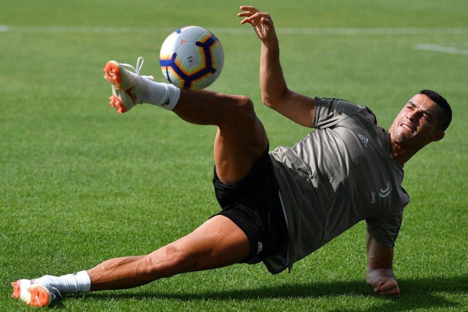 Bos Juventus Tertawakan Gosip Akan Jual Ronaldo