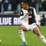 Danilo, Gelandang Dadakan Solusi Lini Tengah Juventus
