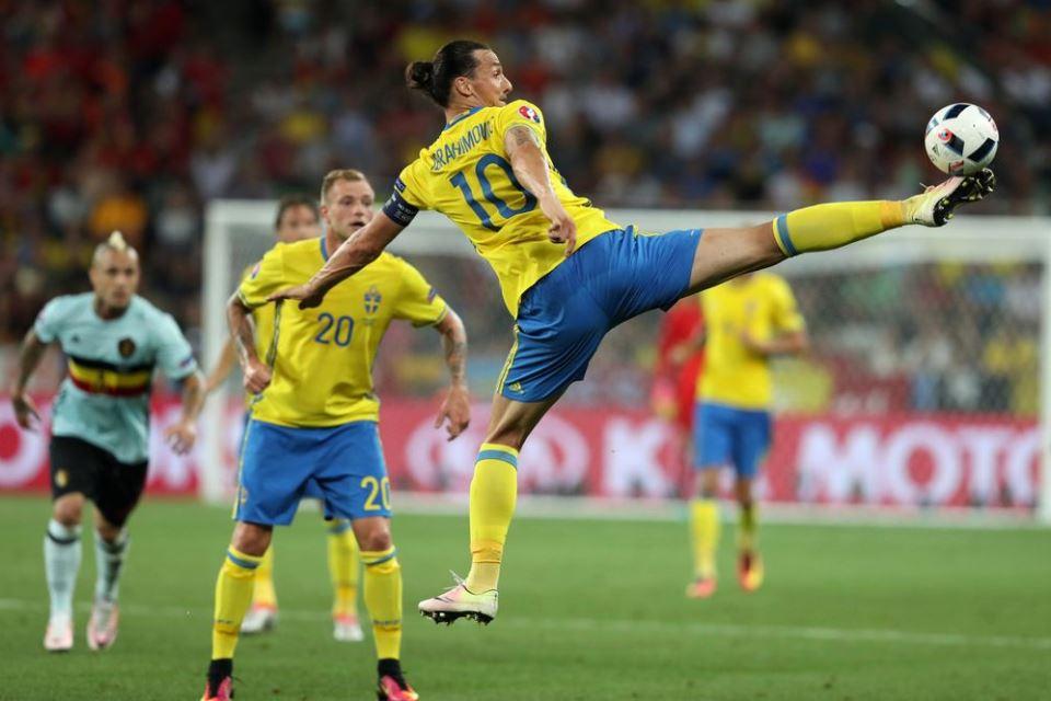 Dear Milan, Ibrahimovic Tidak Cedera, Bisa Main Lawan Estonia