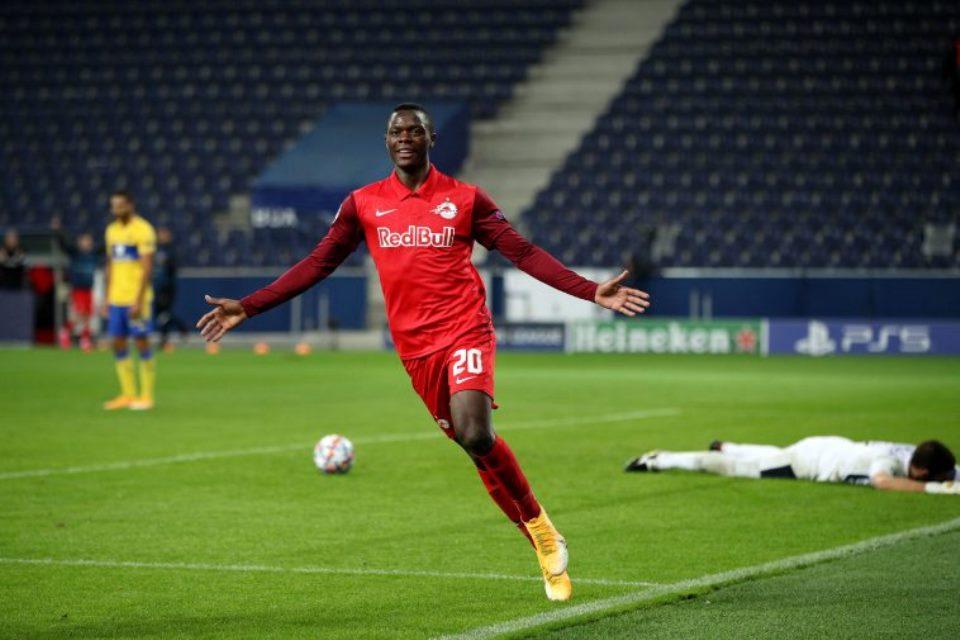 Empat Raksasa Premier League Saling Sikut Dapatkan Penyerang RB Salzburg