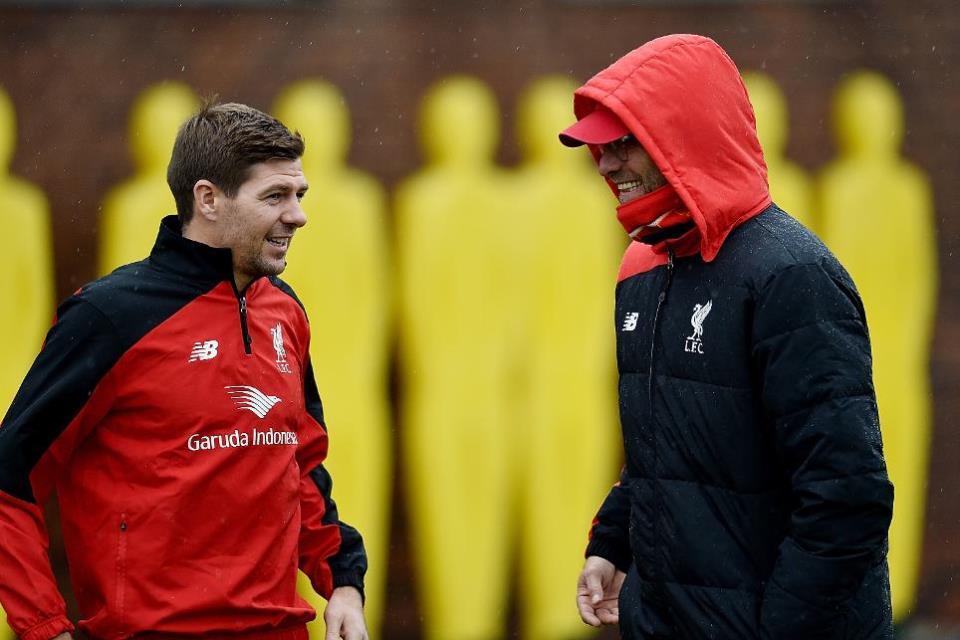 Gerrard Minta Para Fans Liverpool Hormati Klopp