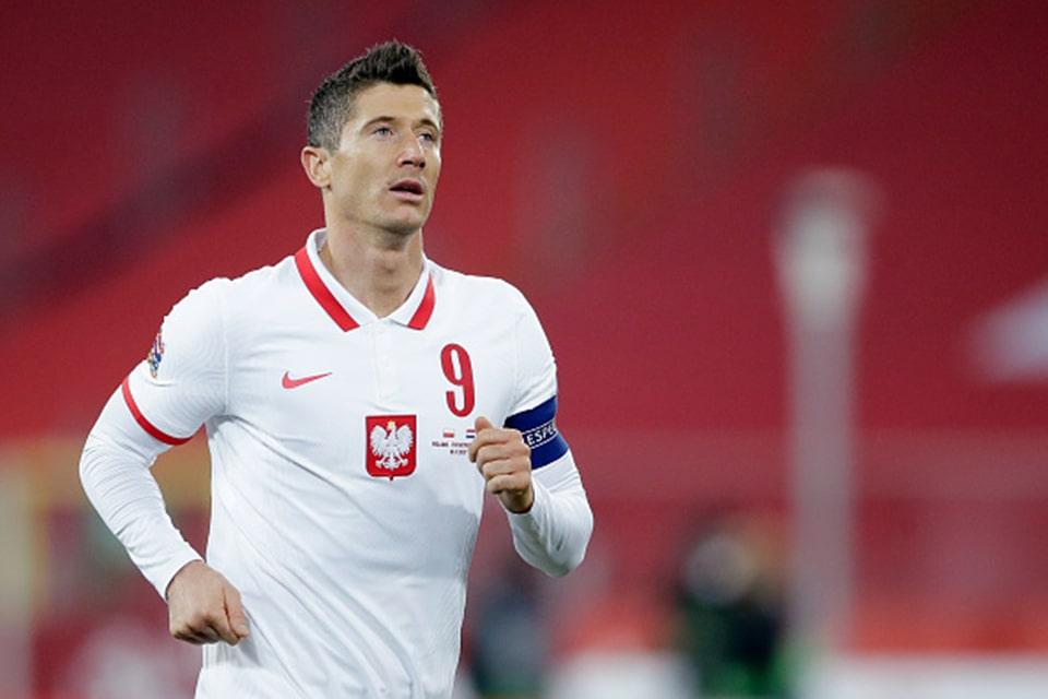 Lewandowski Dipastikan Absen Melawan Timnas Inggris
