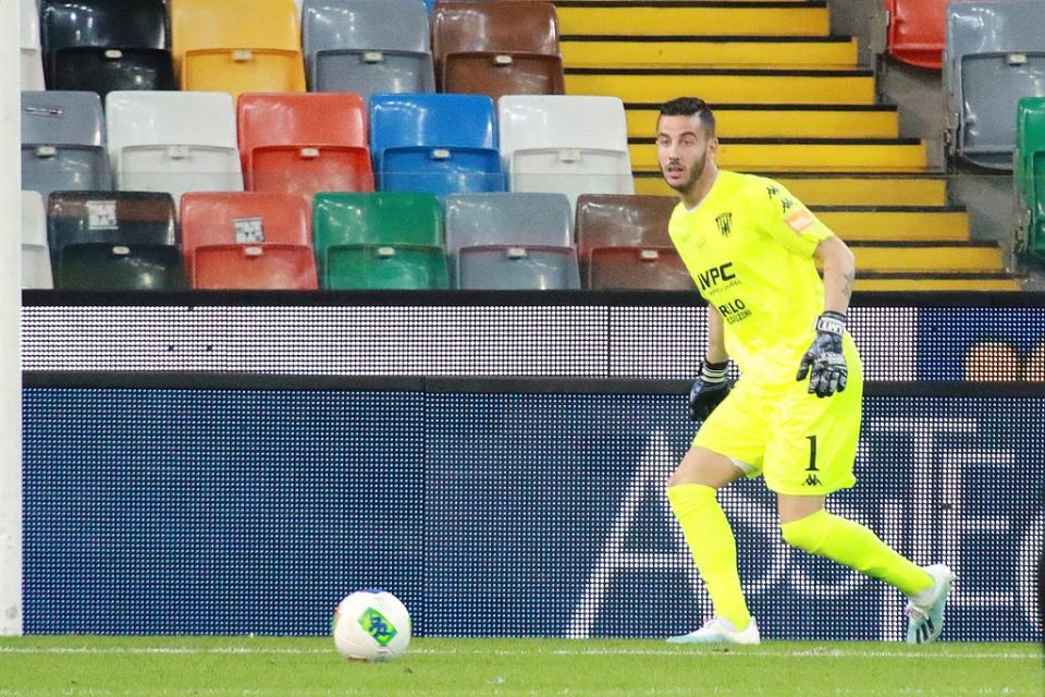 Duel Juventus vs Benevento menjadi ajang unjuk kemampuan Lorenzo Montipo. Kegemilangannya di bawah mistar gawang Benevento membuat lini serang Bianconeri tumpul.