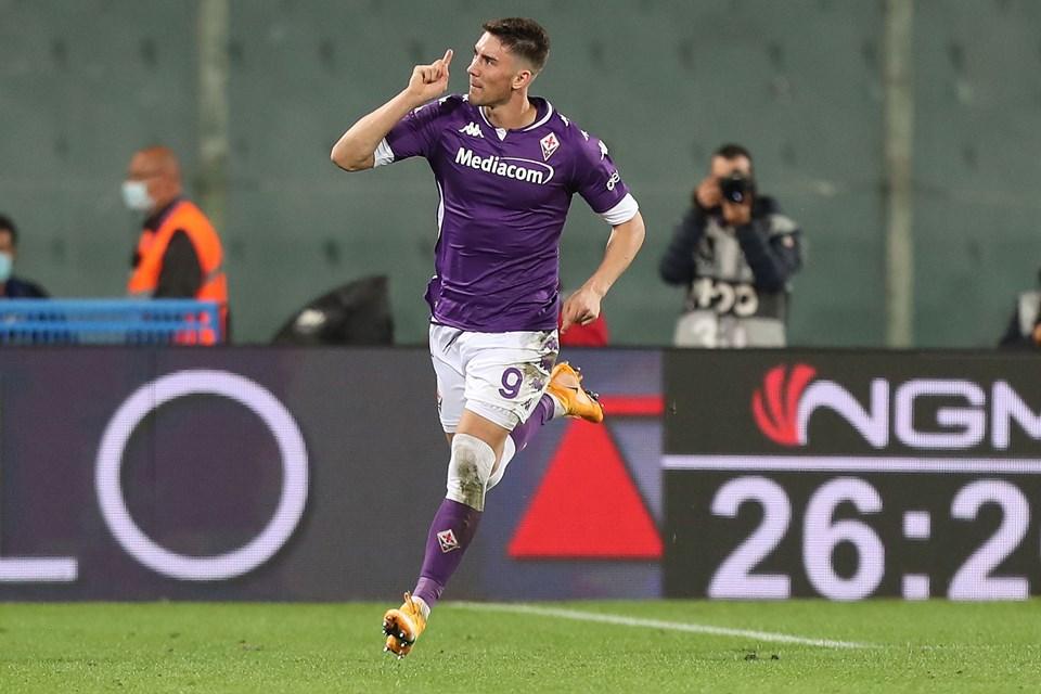 Negosiasi Kontrak Lacazette Buntu, Arsenal Bidik Penyerang Fiorentina