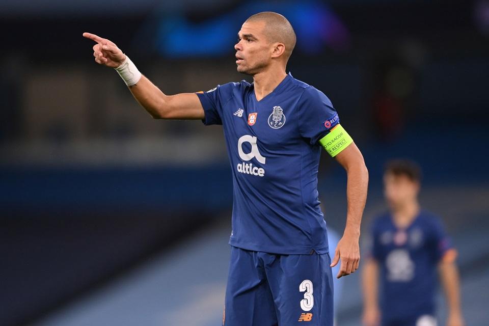 Pepe, Tembok Tua Yang Bikin Juventus Gigit Jari Di Liga Champions
