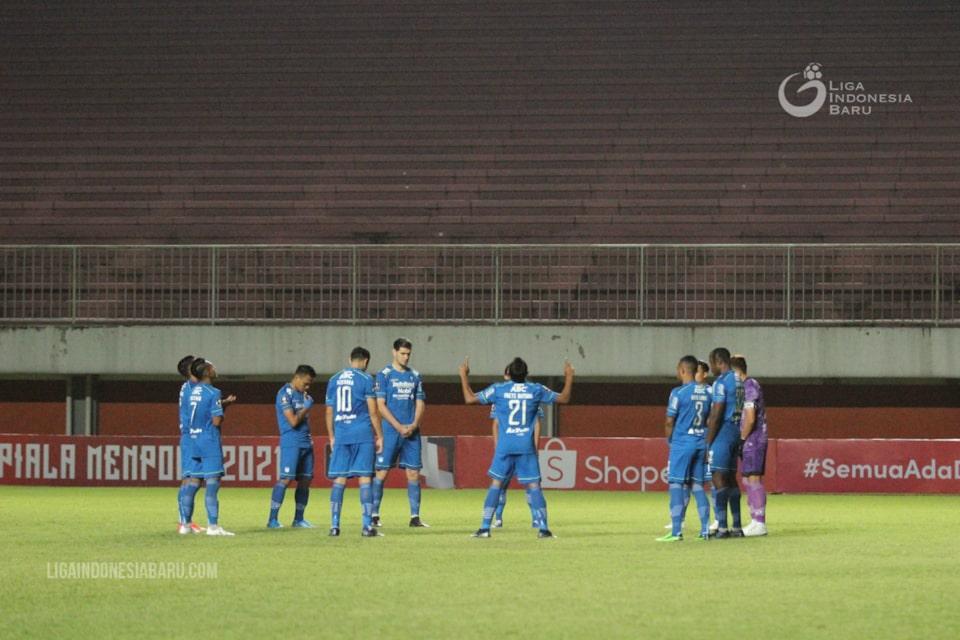 Alberts Jelaskan Makna Selebrasi Persib Bandung