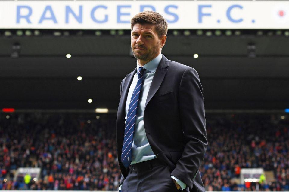 Tottenham Tikung Liverpool tuk Dapatkan Servis Steven Gerrard