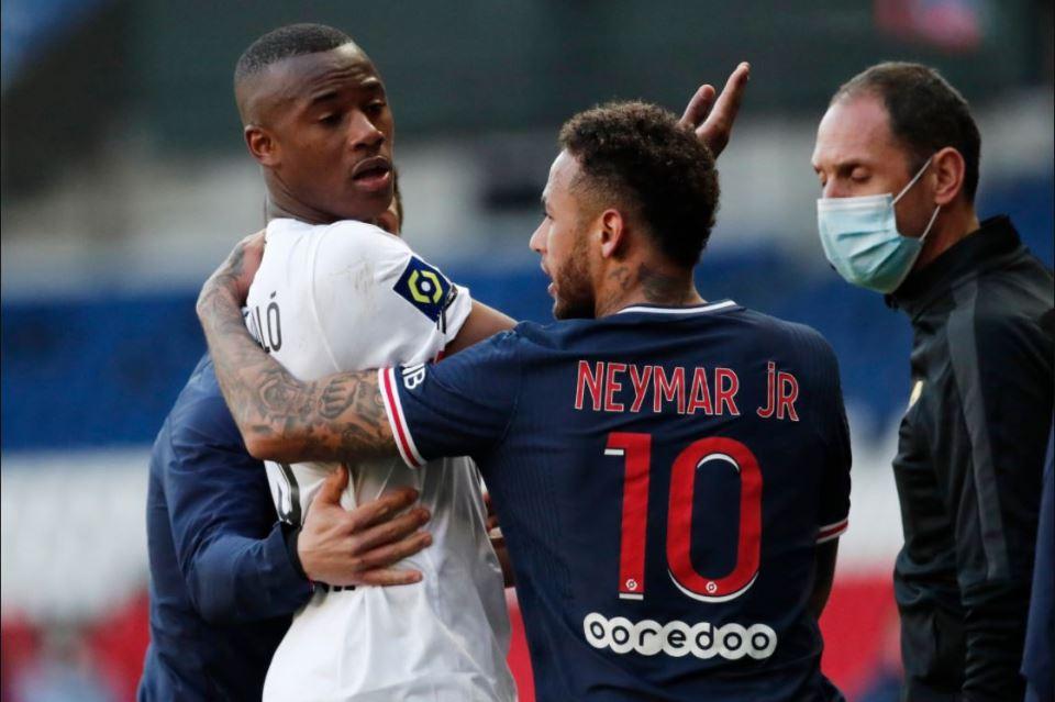Bertengkar Dengan Pemain Lille, Neymar Terancam Sanksi 5 Laga