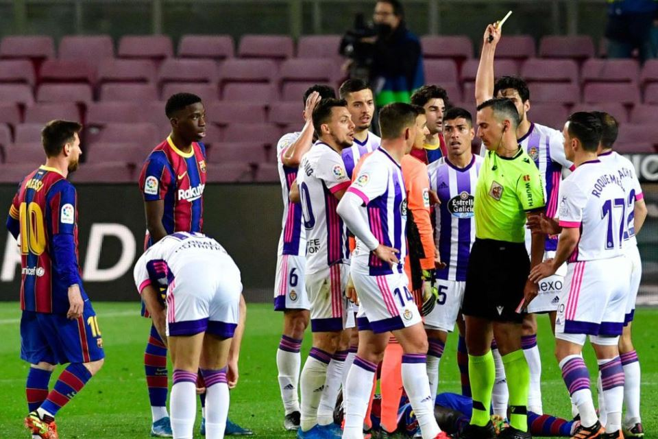 Eks Wasit La Liga: Kartu Merah Valladolid tak Layak, Gol Barcelona tidak Sah
