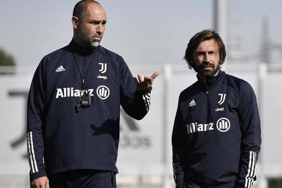 Juventus Jeblok, Pirlo Tak Saling Sapa Dengan Asisten Pelatih Sejak Sebulan Lalu