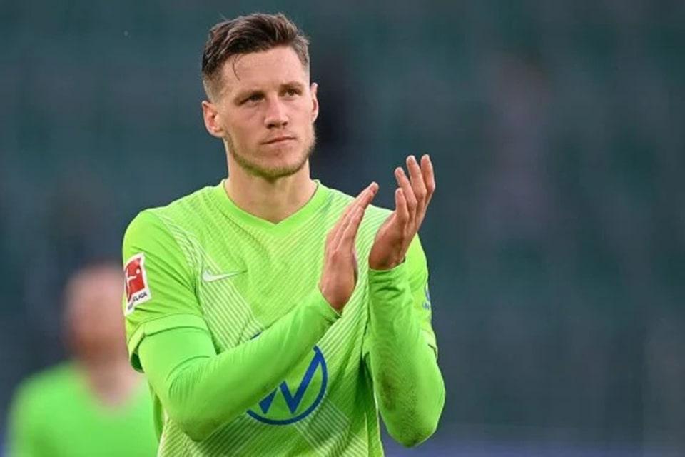 Wout Weghorst Tidak Berjanji Akan Bertahan Di Wolfsburg