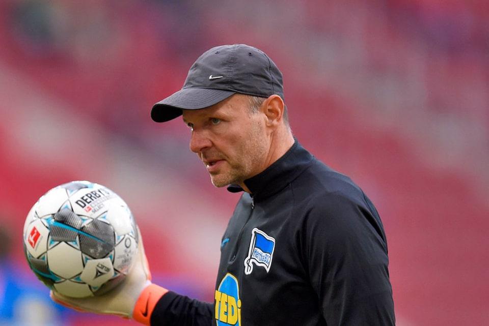 Ungkap Pernyataan Kontroversial, Hertha Pecat Pelatihnya