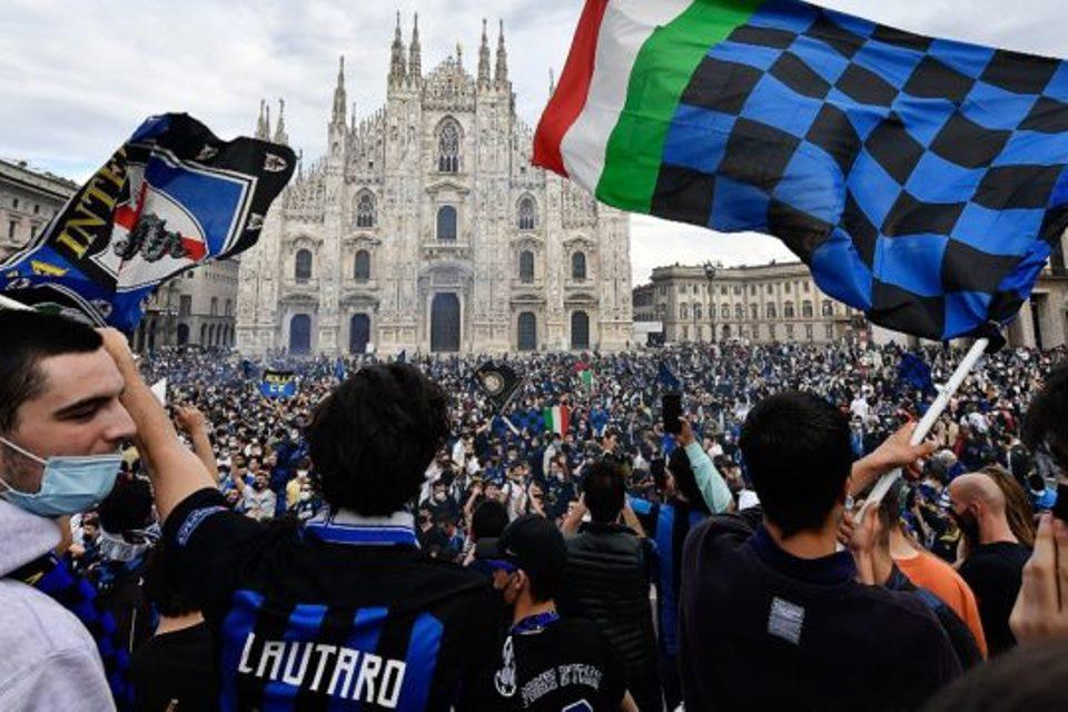 Fan Inter Tumpah Ruah Rayakan Scudetto Liga Italia Di Tengah Pandemi Corona