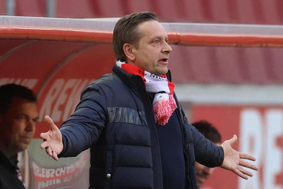 Bertahan di Bundesliga Koln Tetap Pecat Direktur Olahraganya