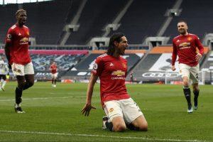 Makin Cinta, Alasan Cavani Bersedia Perpanjang Kontrak Di Man United