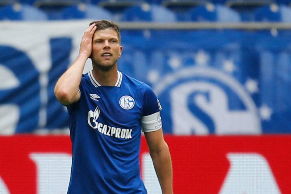 Huntelaar Buka Peluang Untuk Menetap di Schalke