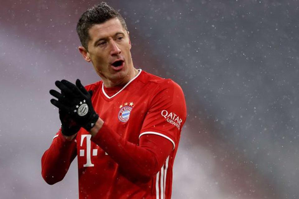 Lewandowski Kecewa Dengan Kebijakan Transfer Bayern