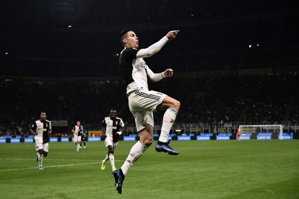 Selalu update berita bola terbaru seputar Serie A Italia hanya di Vivagoal.com