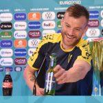 Ejek Pogba dan Ronaldo, Kapten Ukraina: Coca-Cola dan Heineken Boleh Kontak Saya