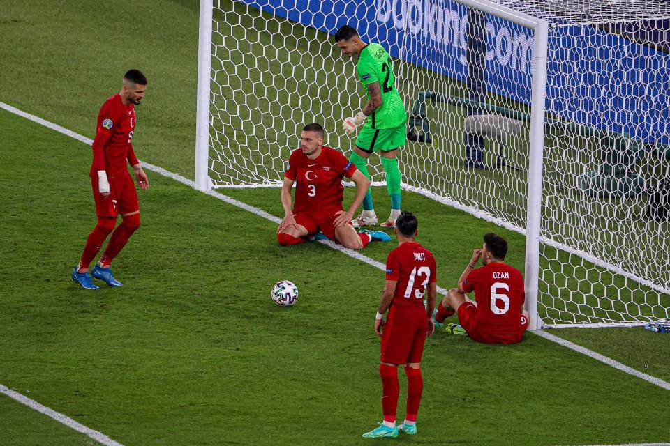 Rekor! Tuk Kali Pertama Ajang Euro Dibuka Lewat Gol Bunuh Diri